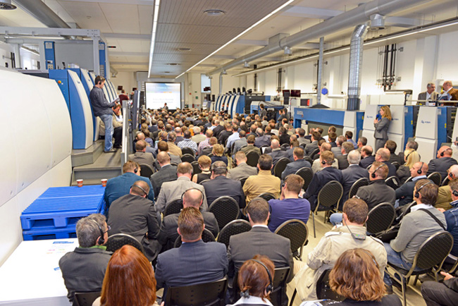 KBA Radebeul illuminates packaging print from all sides, successful open house