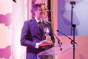X-Rite Pantone gana el premio a la mejor tecnología de 2013 de Cosmetics Business