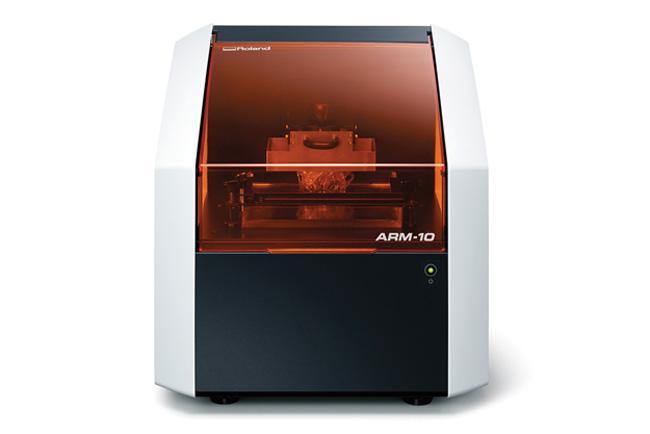 Roland DG presenta su primera impresora 3D y un nuevo modelo de fresadora