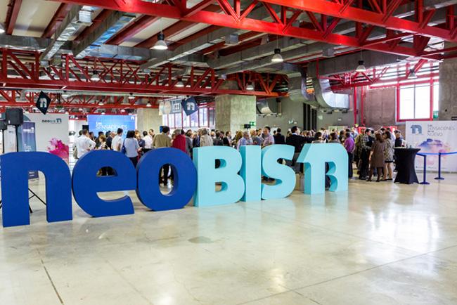 neobis presenta la red social profesional de la Comunicación Gráfica
