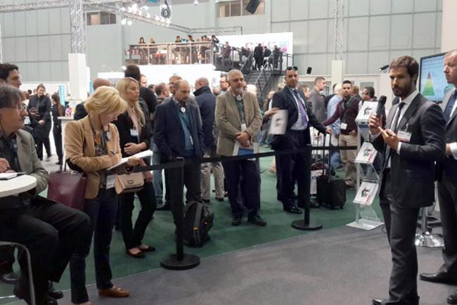 Éxito en la presentación mundial de la laminadora Comexi NEXUS L20000