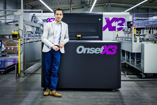 La imprenta serigráfica alemana Bachmann GmbH obtiene beneficios inmediatos con la Inca Onset X3