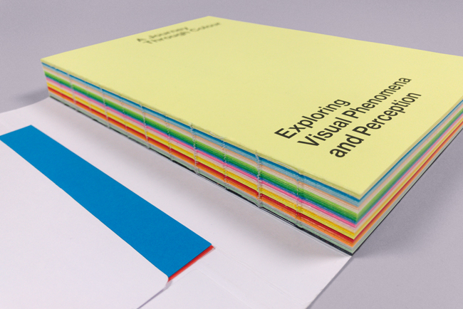 El nuevo libro visual de Mondi IQ Color demuestra el lado expresivo de los papeles tintados