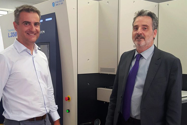 Etiquetas Adhegraf se decanta por la máquina de impresión de etiquetas Screen Truepress JET L350UV