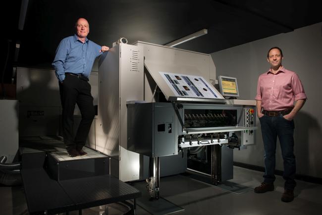 Seis meses después de instalar la prensa Jet Press 720S, Kingfisher Press logra clientes nuevos y aumenta sus ingresos