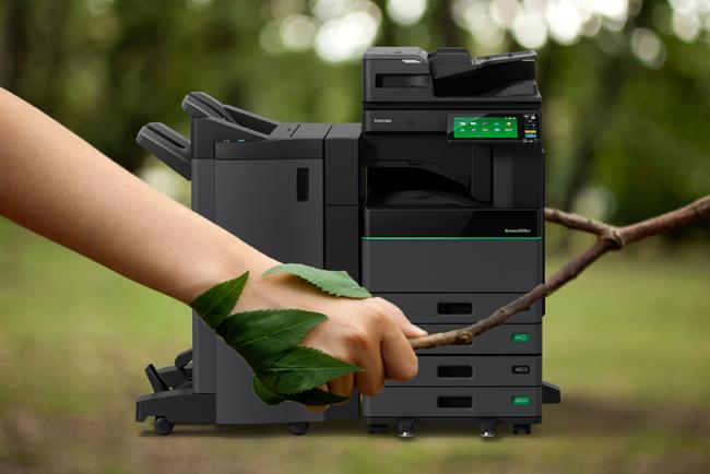 Toshiba lanza al mercado el primer multifuncional capaz de borrar papel impreso