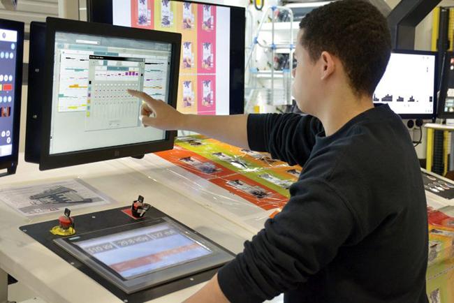 Comexi y QuadTech colaboran en el control de color de circuito cerrado para el embalaje flexible