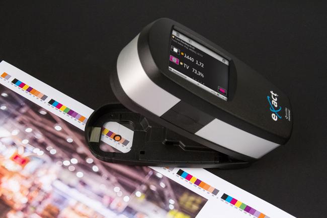 La familia X Rite eXact es compatible con el nuevo estándar ISO para valores de tono de colores directos (SCTV)