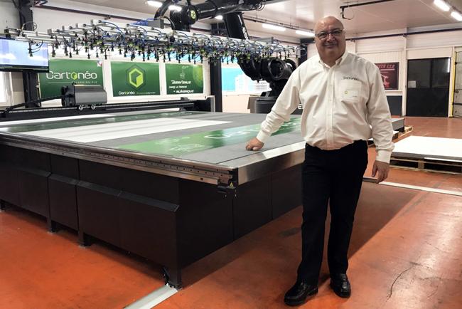 Cartonéo elige los productos Esko para imprimir tiradas cortas de PLV sin parar