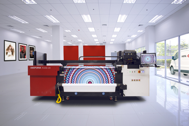 Agfa Graphics amplía la serie híbrida de Anapurna LED de formato panorámico para señalética y rotulación con el nuevo Anapurna H1650i LED