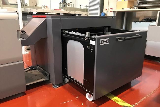 Nuevo alimentador de banner BDT para las prensas Ricoh Pro C9100 y Pro C7100