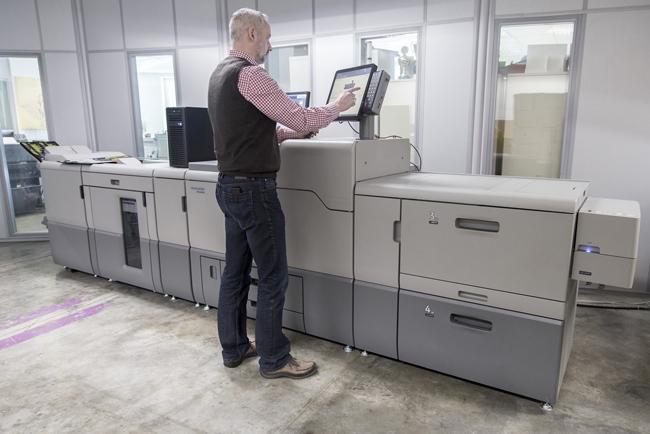 Heidelberg presenta su nueva máquina digital para aplicaciones comerciales creativas, la nueva Versafire EV