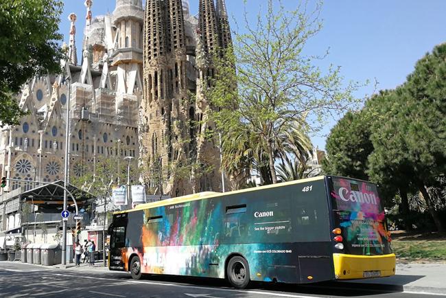 Canon innova en publicidad exterior con un autobús vinilado con las tintas de última generación UVgel ultrarresistentes