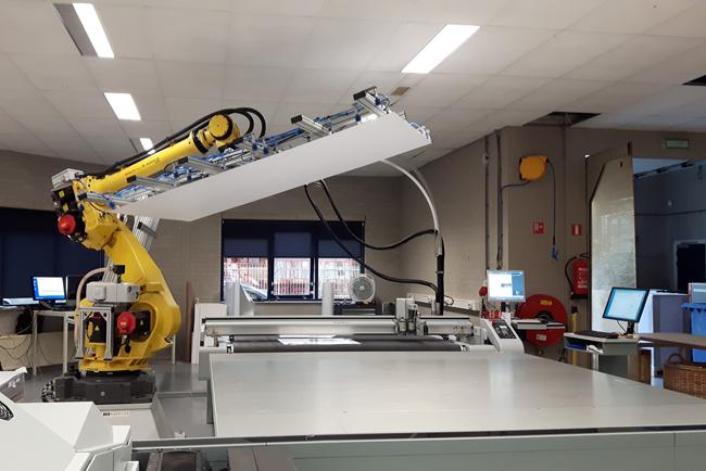 Canon muestra en Fespa 2018 una solución totalmente automatizada de impresión y acabado para producción de aplicaciones sobre soportes rígidos
