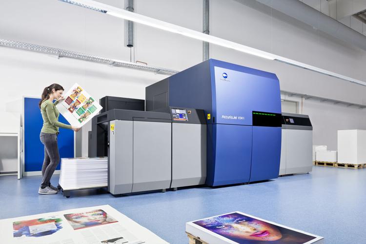 Totem toma la ruta de la inyección de tinta LED UV para mejorar sus oportunidades en el mercado del libro con Konica Minolta AccurioJet KM-1