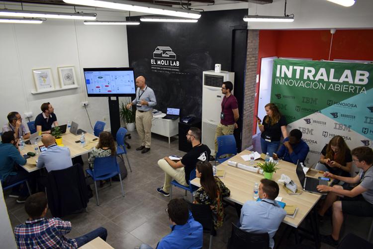 Hinojosa lanza INTRALAB, el primer programa de innovación para sus emprendedores internos