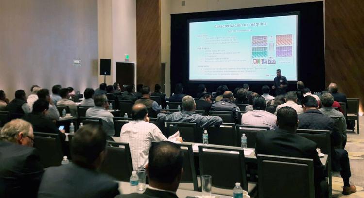 Comexi supera sus expectativas en el seminario técnico de México