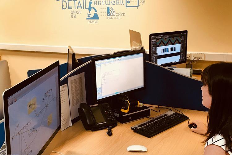 Firstan perfecciona sus procesos de producción con la integración de Esko y EFI