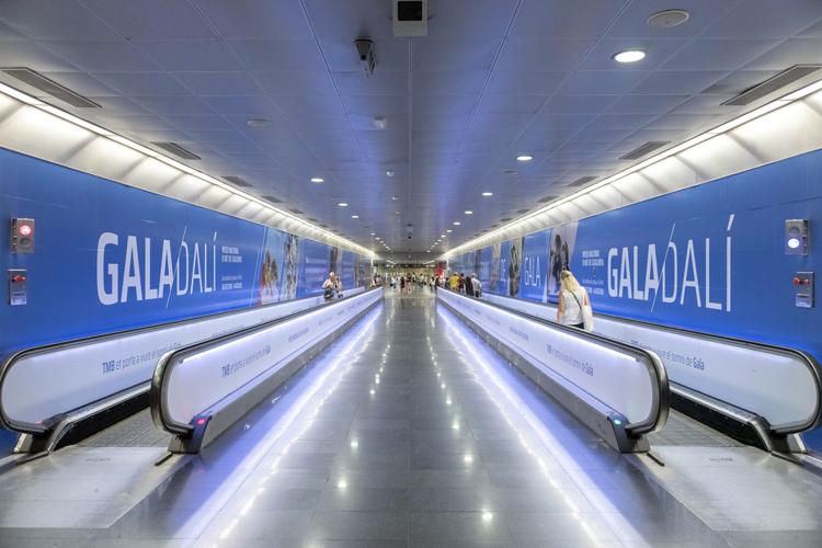 El enlace del metro de Diagonal se convierte en un espacio temático dedicado a Gala y Salvador Dalí