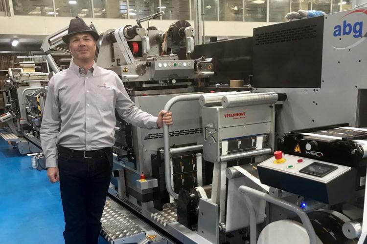 La empresa Berkshire Labels crece con la quinta línea de acabado de ABG Digicon