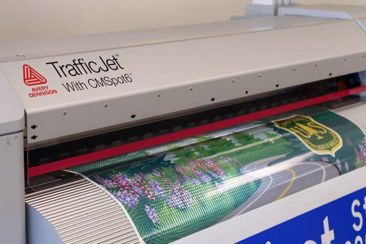 SAi se asocia con Avery Dennison para desarrollar el Software RIP especializado para el nuevo Sistema de impresión TrafficJet