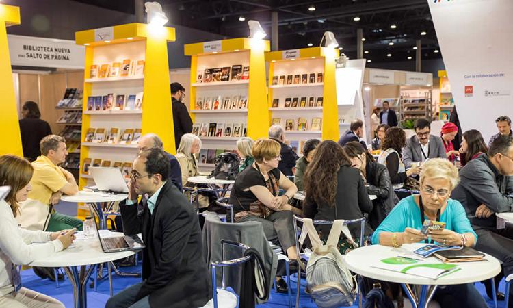 Los editores reclaman volver a poner la lectura en el centro de la vida cultural del país