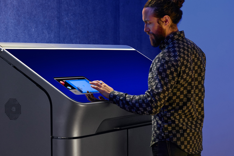 HP acelera la impresión 3D para producción en serie con nuevos clientes, aplicaciones y partners