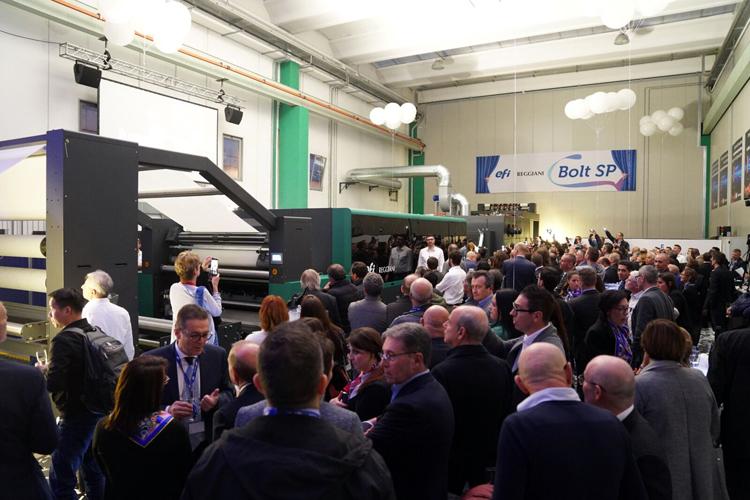 EFI lanza la impresora textil Reggiani BOLT, una nueva generación de máquinas digitales de impresión en una sola pasada