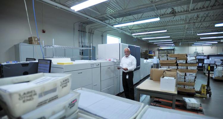 La impresión de libros, facturas y correo directo es más rentable y productiva con Brenva, la prensa de producción HD de Xerox