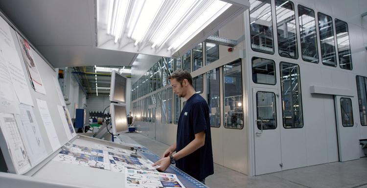 B&K Offsetdruck reduce en un 50% su consumo de silicona utilizando el Contiweb Fluid Applicator