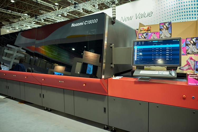UDS aprovecha nuevas oportunidades de negocio en el cartón ondulado con la primera impresora inkjet single-pass EFI Nozomi instalada en Europa central