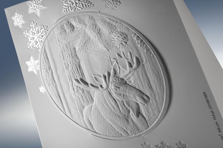 Iggesund crea un espectacular gofrado en su tarjeta navideña de este año