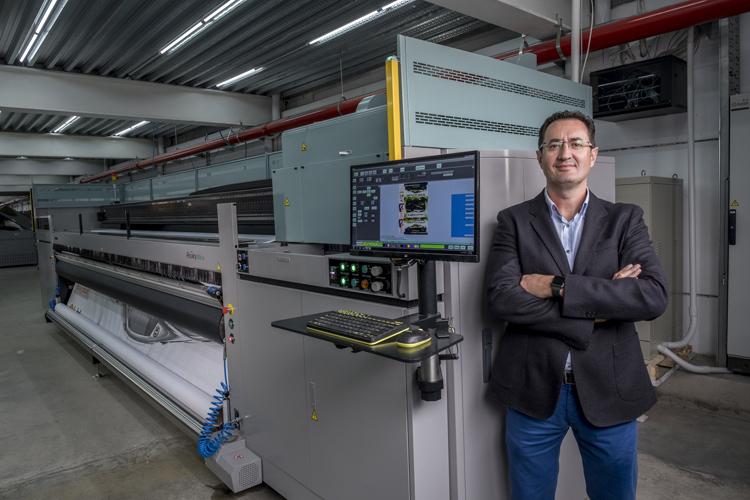 La inversión en la Acuity Ultra de formato superancho de Fujifilm da un gran impulso a una de las mayores empresas españolas de impresión de gran formato