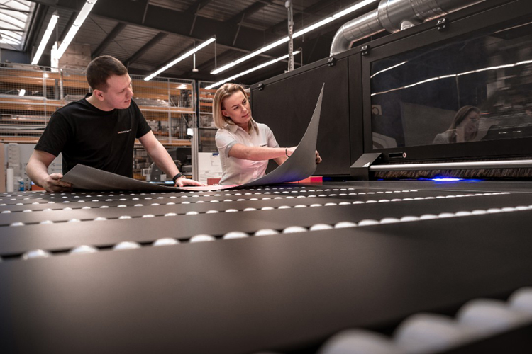 Colours Factory invests in a third large-format inkjet printer from Agfa