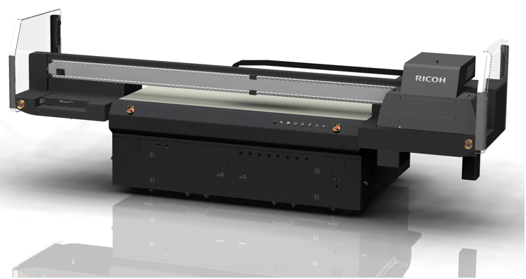 La impresora plana UV Ricoh Pro™ TF6250 ofrece versatilidad y productividad para los sectores de la rotulación y la decoración