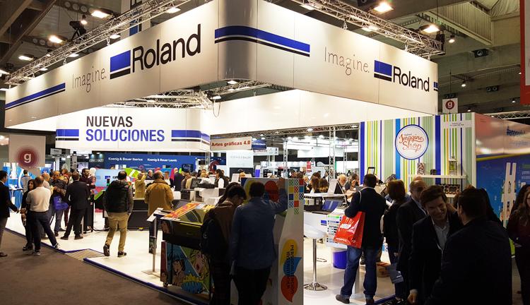 Roland DG presentó las últimas tendencias en color y personalización en Graphispag