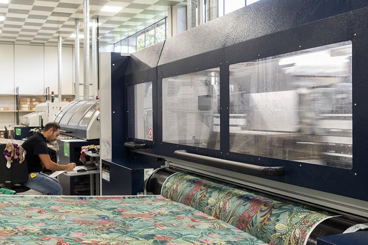 La compañía Mantero Seta innova con impresión digital de la mano de las impresoras Monna Lisa de Epson