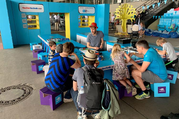 Cartonlab diseña eventos sostenibles como la zona de juegos para la Fórmula E