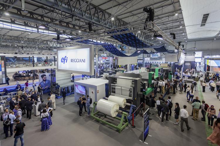 Éxito total en ITMA 2019: EFI Reggiani vende su cuarta impresora textil single-pass Reggiani BOLT