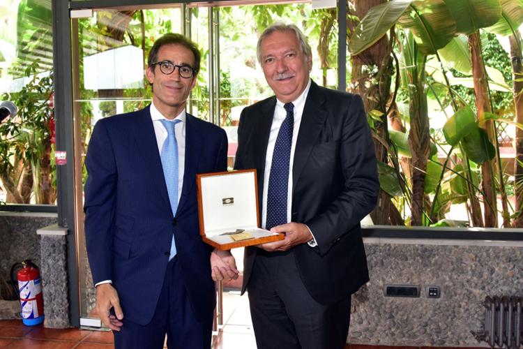 Fira de Barcelona homenajea al expresidente de Hispack, Javier Riera-Marsá