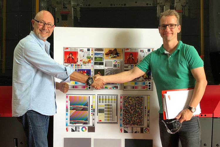 EFI Nozomi C18000 es la primera impresora digital de cartón ondulado single-pass que logra el certificado Fogra
