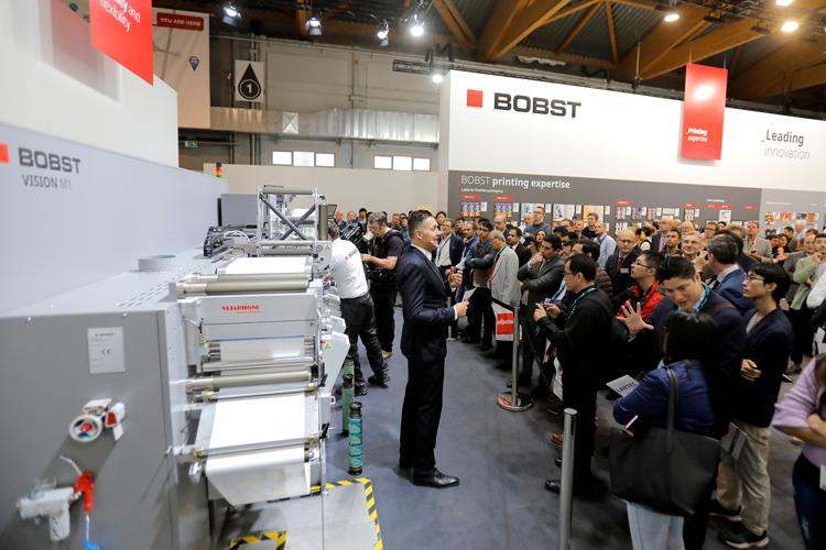 BOBST presenta la nueva impresora híbrida MASTER DM5 en Labelexpo 2019, augurando así una nueva era en la impresión de etiquetas